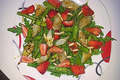Spargel-Erdbeersalat 54