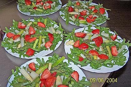 Spargel-Erdbeersalat 59