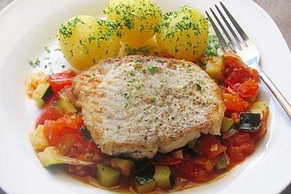 Fisch mit Zucchini - Tomatensauce 3