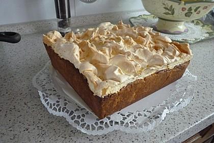 Rhabarberkuchen mit Vanillepudding und Baiser 2