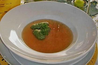 Klare Tomatensuppe mit Petersilienklößchen 19
