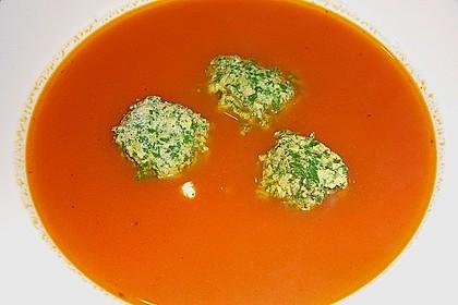 Klare Tomatensuppe mit Petersilienklößchen 11