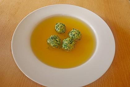 Klare Tomatensuppe mit Petersilienklößchen 3