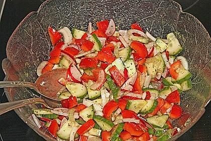 Großer Salatteller mit Hähnchenbrustfilet 4