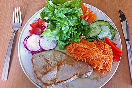 Großer Salatteller mit Hähnchenbrustfilet 5