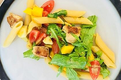 Mango-Avocado-Salat mit Hühnerstreifen, Rucola und Tomaten 45