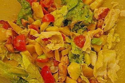 Mango-Avocado-Salat mit Hühnerstreifen, Rucola und Tomaten 57