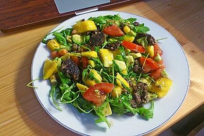 Mango-Avocado-Salat mit Hühnerstreifen, Rucola und Tomaten 42