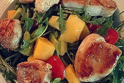Mango-Avocado-Salat mit Hühnerstreifen, Rucola und Tomaten 35