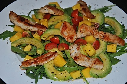Mango-Avocado-Salat mit Hühnerstreifen, Rucola und Tomaten 16