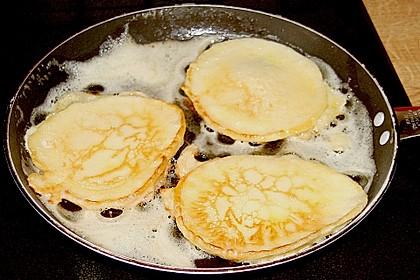 Pfannkuchen mit Joghurt und Ahornsirup 13