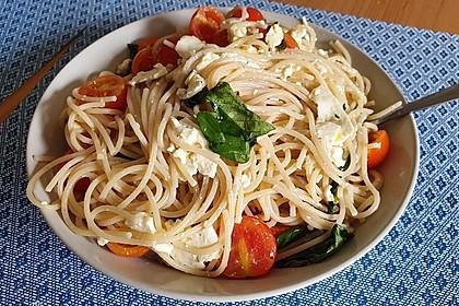 Spaghetti mit Ziegenkäse und Kirschtomaten 4