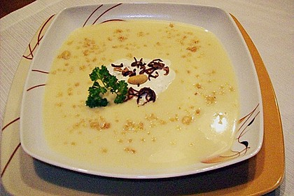 Crunchy Erdnuss - Kartoffelsuppe