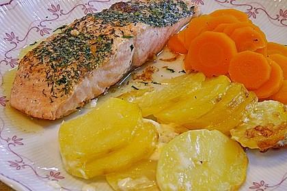 Würzlachs mit Meerrettich-Kartoffelgratin 8
