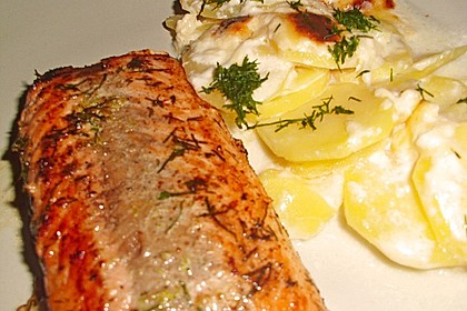 Würzlachs mit Meerrettich-Kartoffelgratin 14