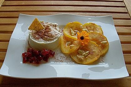 Apfelringe mit Vanillequark und Walnüssen