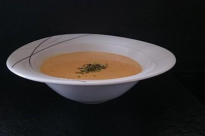 Leckere Kartoffel - Möhren - Suppe 16