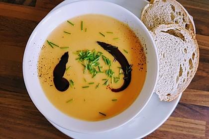 Leckere Kartoffel - Möhren - Suppe 12