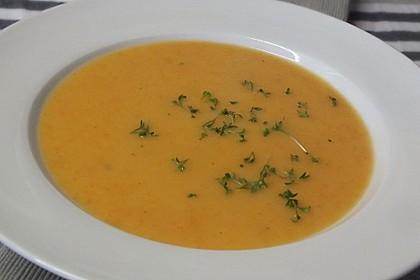 Leckere Kartoffel - Möhren - Suppe 9