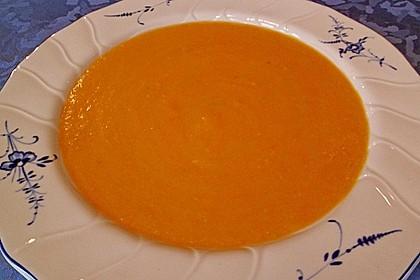Leckere Kartoffel - Möhren - Suppe 23