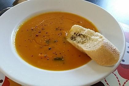 Leckere Kartoffel - Möhren - Suppe 7