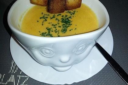 Leckere Kartoffel - Möhren - Suppe 11