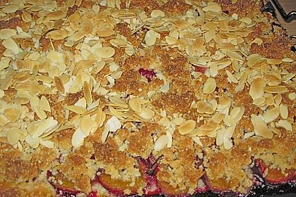 Zwetschgenkuchen mit Marzipan - Mandelstreuseln