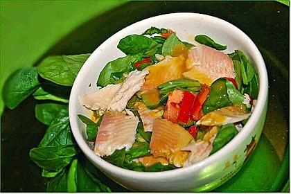 Feldsalat mit Räucherforelle oder anderem Räucherfisch 6