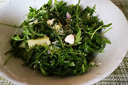 Kartoffelsalat mit Rucola und Schafskäse (Bild)