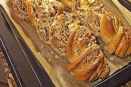 Nusszopf (Rezept von einem Bäckermeister) 14