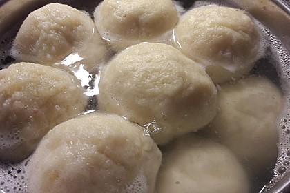 Einfache Kartoffelknödel nach Omas Rezept 7