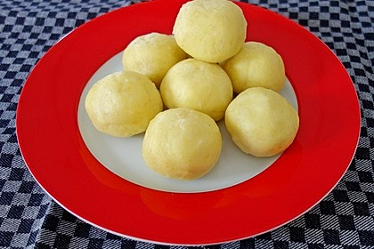 Einfache Kartoffelknödel nach Omas Rezept 1