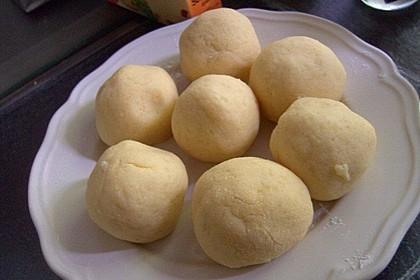 Einfache Kartoffelknödel nach Omas Rezept 11