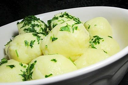 Einfache Kartoffelknödel nach Omas Rezept 3