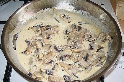 Champignons in Parmesan - Sahne - Sauce (Bild)