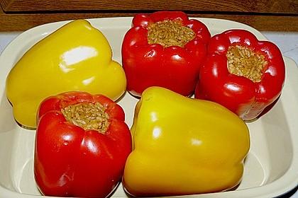Gefüllte Paprika mit Reis und Hühnchen 2