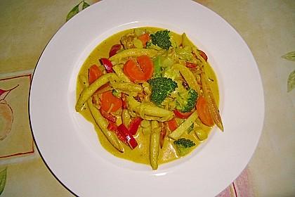 Bunte Schupfnudelpfanne mit Curry