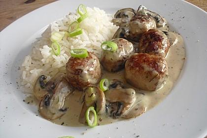 Reispfanne mit Champignons und grober Bratwurst 1