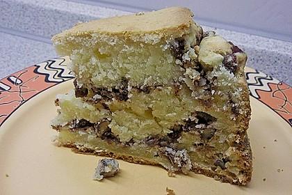 Saftiger saure Sahne - Kuchen mit Pekannüssen