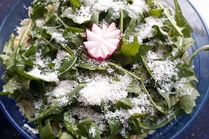 Nudelsalat mit Rucola und Tomaten 4