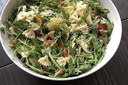 Nudelsalat mit Rucola und Tomaten 3