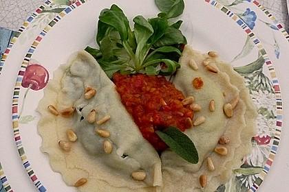 Ravioli mit Bärlauch - Spinat - Ricotta - Schinken Füllung