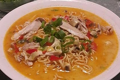 Pikante Thai Suppe mit Kokos und Hühnchen 38