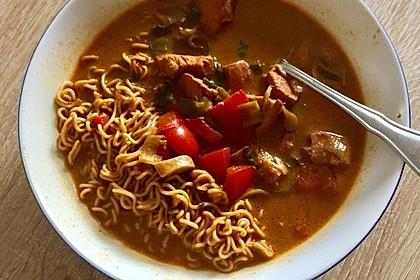 Pikante Thai Suppe mit Kokos und Hühnchen 89