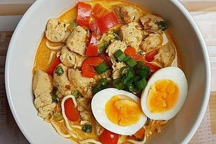 Pikante Thai Suppe mit Kokos und Hühnchen 10