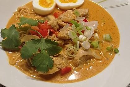 Pikante Thai Suppe mit Kokos und Hühnchen 9