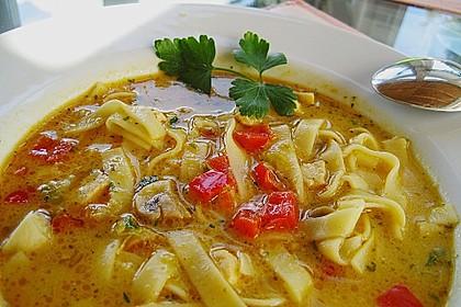 Pikante Thai Suppe mit Kokos und Hühnchen 24