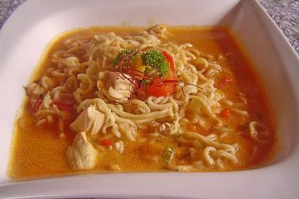 Pikante Thai Suppe mit Kokos und Hühnchen 42