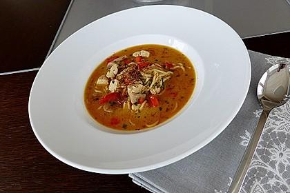 Pikante Thai Suppe mit Kokos und Hühnchen 12