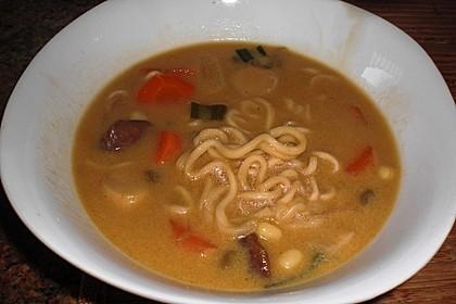 Pikante Thai Suppe mit Kokos und Hühnchen 100